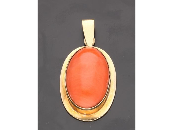 Pendant - Gold - blood coral