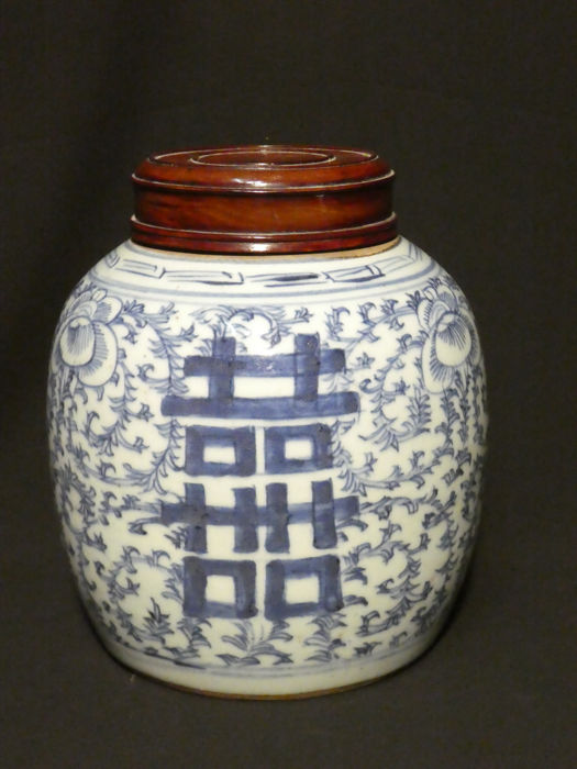 Blue white wooden lidded ginger jar with lucky symbols - China - 19th century