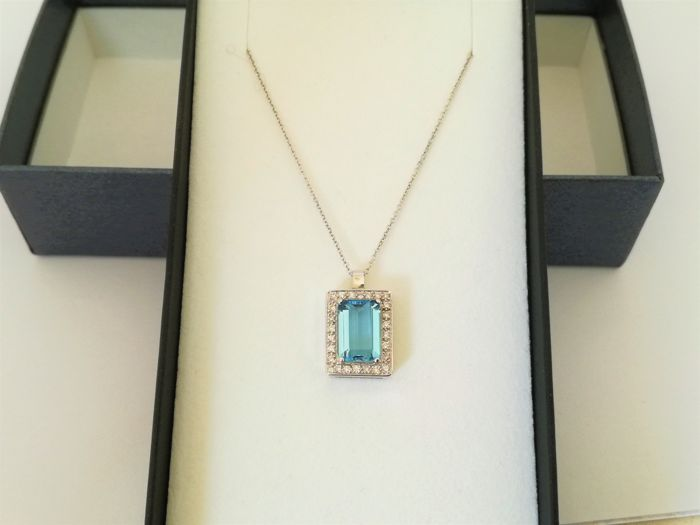 Necklace with Pendant - Gold - No indication of treatments - 2.5 ct - Aquamarine and Diamond