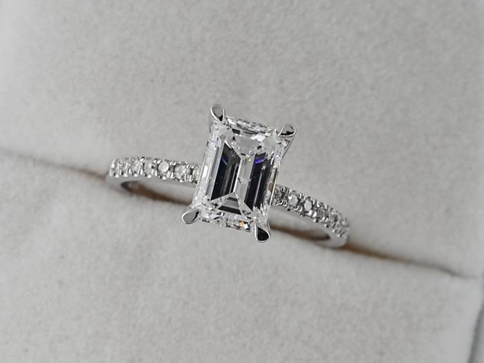 Ring - White gold - Commonly treated - 1.03 ct - Diamond and Diamond