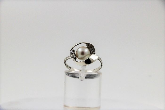 Ring - White gold - 0.04 ct - Diamond and Pearl