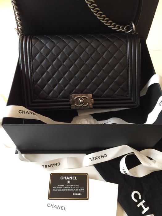 51b951236ed4d5 Chanel - Boy Shoulder bag - Catawiki