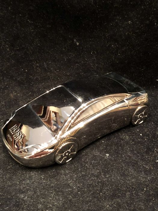 A very rare HUGO BOSS paperweight new in his original case in silver plated - Silver plated - U.S. - About 2000