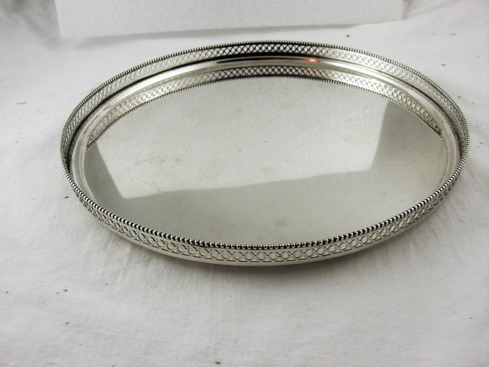 Round tray with open worked rim - .835 silver - Netherlands - Mid 20th century