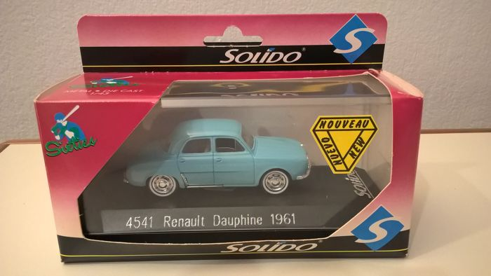 RENAULT DAUPHINE 1961 1962 voiture miniature 1//43 collection solido 4541
