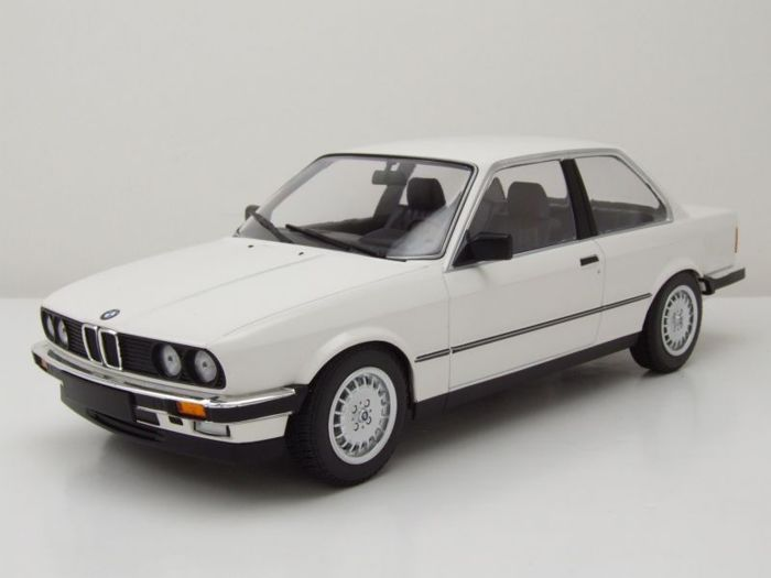 minichamps 1 18 bmw e30 323i coupe wit catawiki. Black Bedroom Furniture Sets. Home Design Ideas