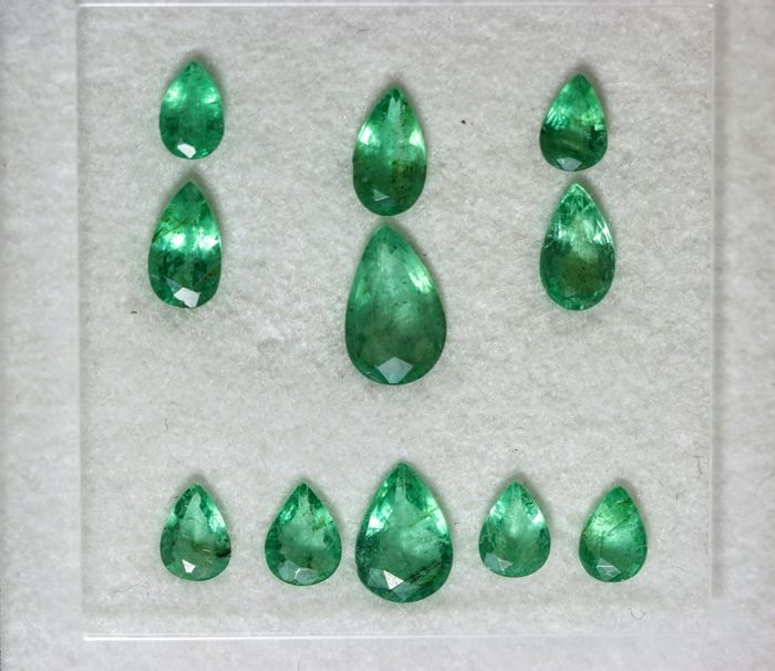 Emeralds - 1.95 ct - 11 pieces