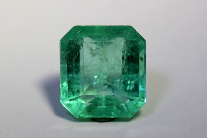 Emerald - 9.67 ct - Colombia
