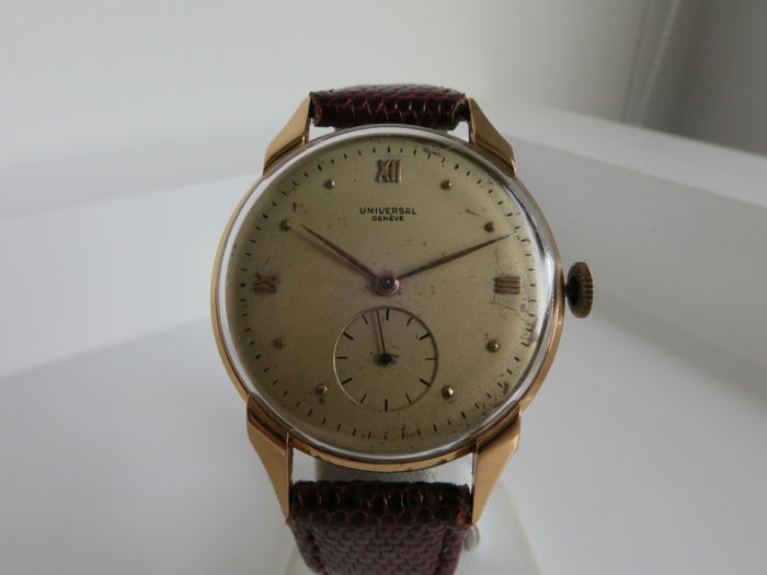 "Universal Genève -  Rosé gold ""fancy lugs"" watch - ref: 11280 - Homem - 1901-1949"