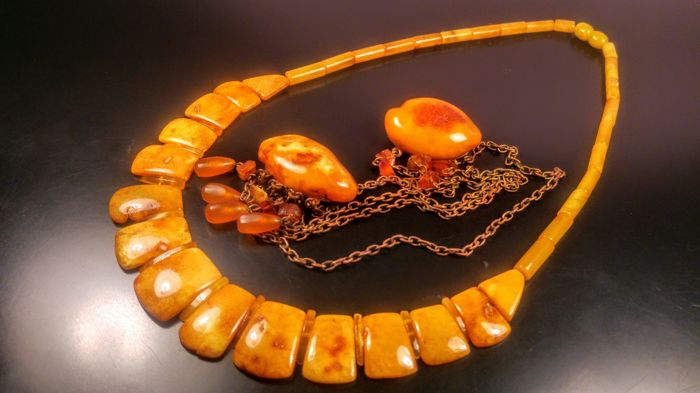 Vintage 100% Genuine Royal Baltic Amber necklace and brooch, 49 grams