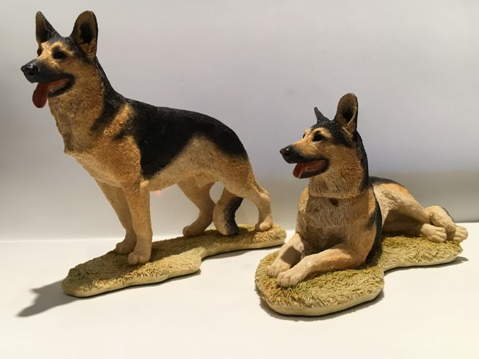 Sherratt & Simpson - Grande capture - Figurines Alsation / Berger Allemand de 2 - Résine/Polyester