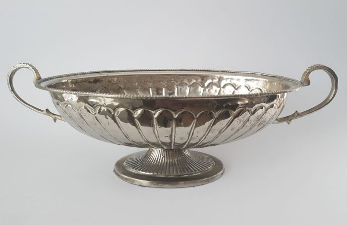 Large silver-plated jardiniere / fruit bowl - Beautifully designed - Presumably France - Second half of the 20th century