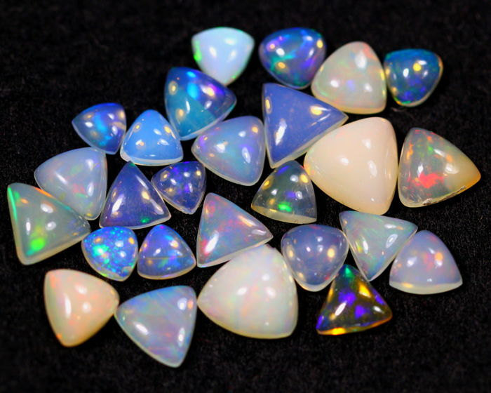 Solid Opal - 15.14cts total - 26 pieces