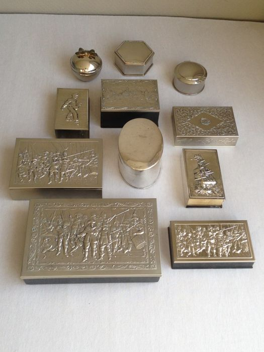 Nice silver plated and silver-coloured jewel cases - 11 - silver-plated