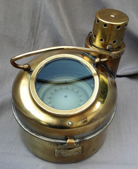 Particularly beautiful compass House with compass - brass - second half 20th century