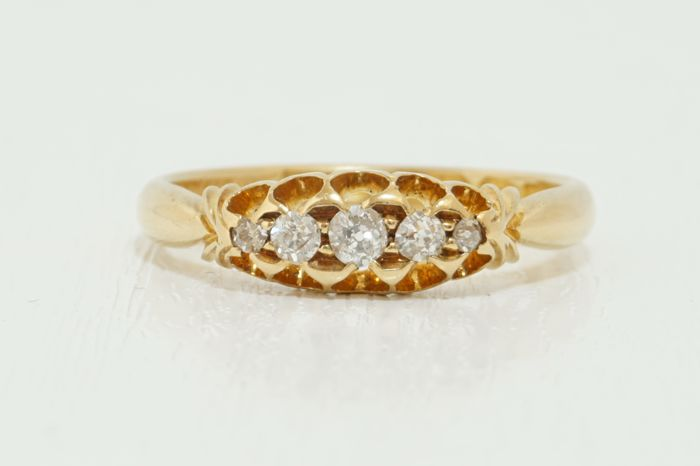 Antique 18ct Gold Ring, 0.35ct Five-Stoned Old European Round Cut Diamond Ring (c1886), 3.021g.  Size: UK: N, US: 7 & EU: 54