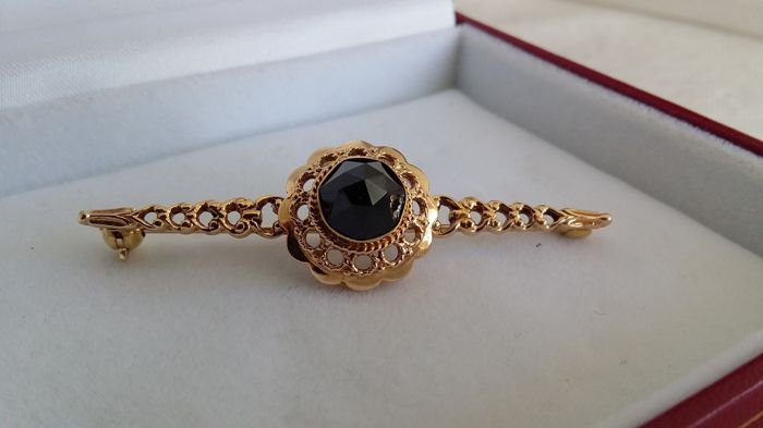 14 kt Yellow gold Handmade Brooch with Garnets, 5.20 g in total