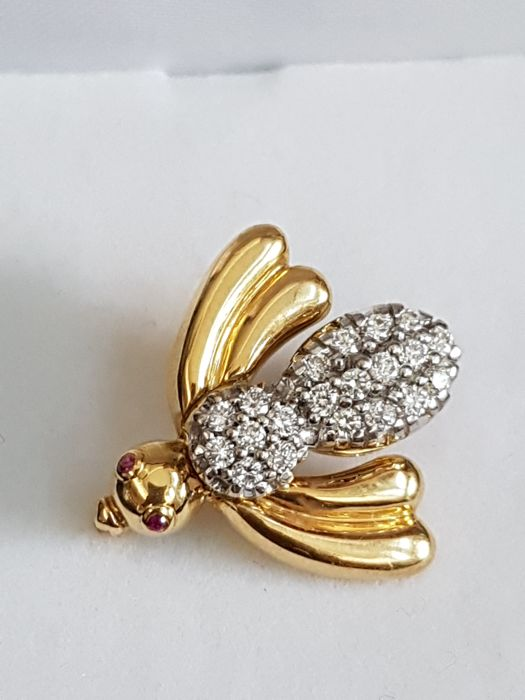 Gold brooch 18 kt with 20 diamonds and 2 ruby - Total 0.40 ct