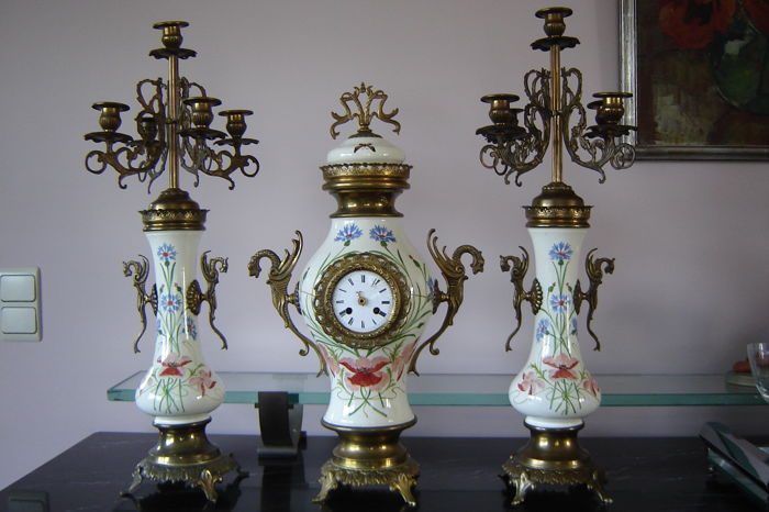Veuve De Winter & Fils Bruxelles - Art Nouveau mantelpiece garnish 2 candlesticks and clock - Set of 1
