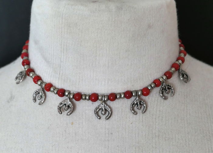 Silver and coral necklace - Morocco - 2nd half of twentieth century