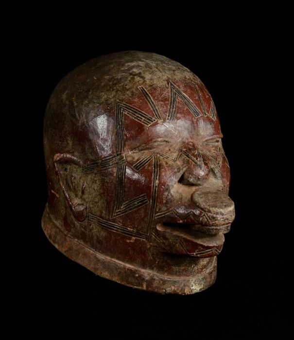 Great Red Lipiko MAKONDE Mask. Tanzania. (African Tribal Art).