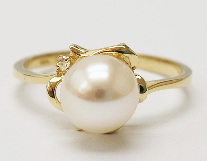 14KT Yellow Gold Ring with 7 mm Akoya Pearl ,  0.0125 ct Diamond  - Size N 1/2