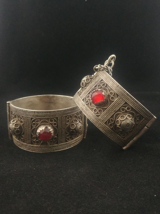Pair of antique Berber silver bracelets - Morocco, mid 20th century