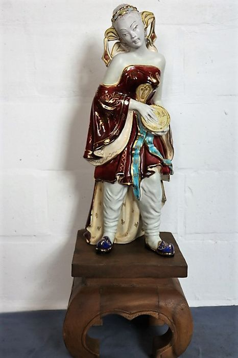 Professor Eugenio Pattarino - Firenze - sculpture of a Chinese lady with drum - Earthenware