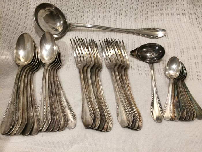 Part of a goldsmith housewife Caillar Bayard - Silverplate - France - 1875-1900
