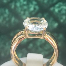 pretty 18 kt yellow gold ring set with a 5.0 ct aquamarine - no reserve price