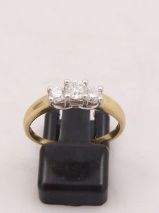 14k yellow gold and platinum Past Present and Future ring set with 3 brilliant cut diamonds - 0.47 ct in total - No reserve price