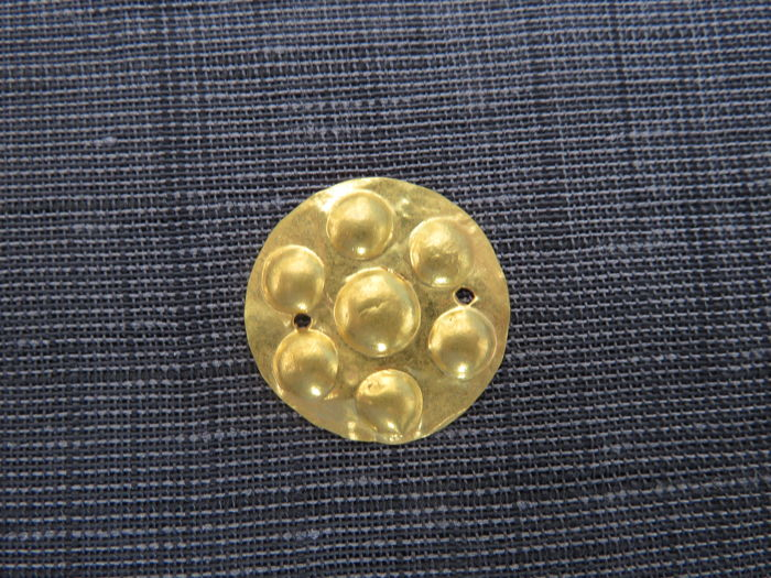 Prehistoric, iron age Gold - Celtic decorative piece - 2 cm  -(1) - 2 cm - (1)