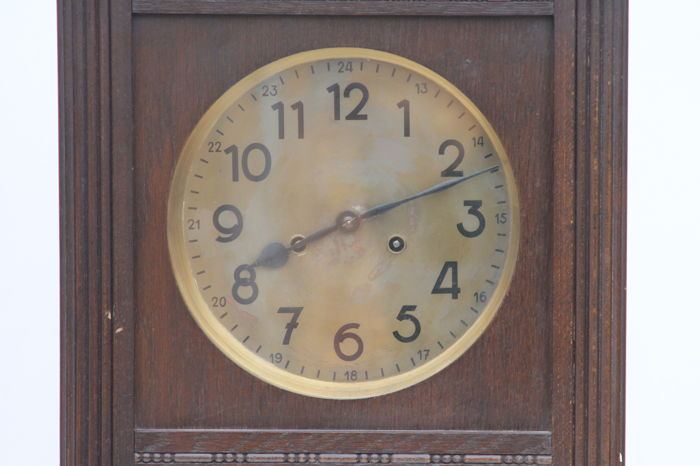 Dufa A Wall Clock With A Double Barrelled Chime 19th