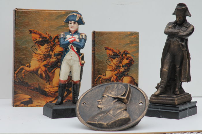 Napoleon collection sculptures and wall plate and books - iron (cast/forged)