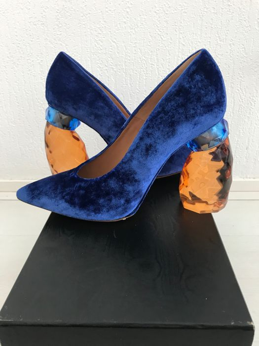 0ac3f03b1c4 Dries Van Noten Limited Edition Velvet High-Heeled Shoes With Unusual Heel  - Catawiki