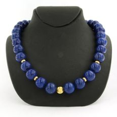 Lapis lazuli bead necklace with 14 kt gold spacers and a yellow gold clasp - necklace length 42 cm