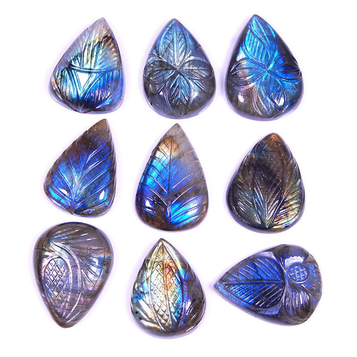 Labradorite - 9 pieces - 260 ct