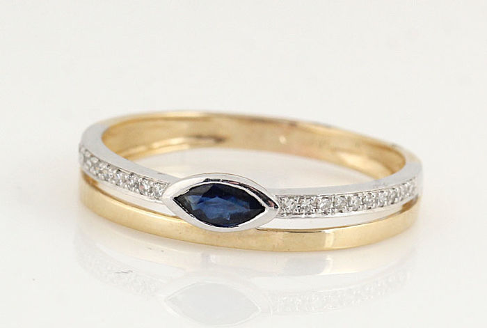 14kt diamond and sapphire ring / G-H VS-SI diamonds total 0.06ct  / ringsize: 54. / weight : .1.50gr