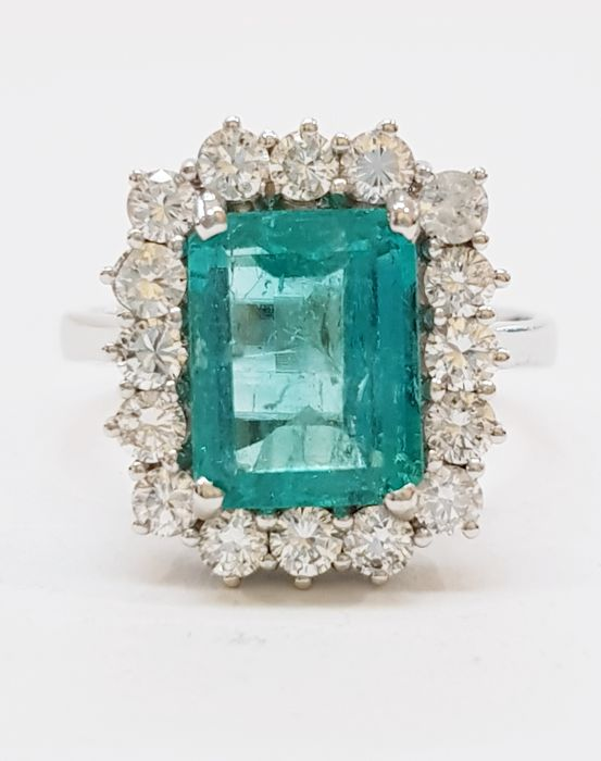 Ring - White gold - 3.03 ct - Emerald and Diamond