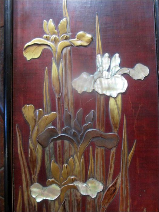 Lacquered panel with mother-of-pearl - Japan - First half of 20th century