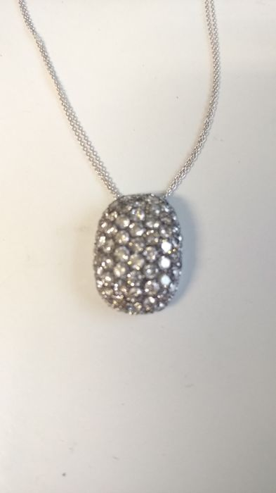 Necklace in 18 kt white gold with 77 brilliant cut grey diamonds for 2.90 ct, colour I, clarity VS, with black rhodium on grey diamonds