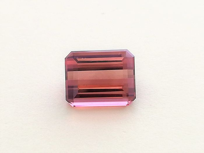 Redish Pink Tourmaline - 2,07 ct No Reserve Price