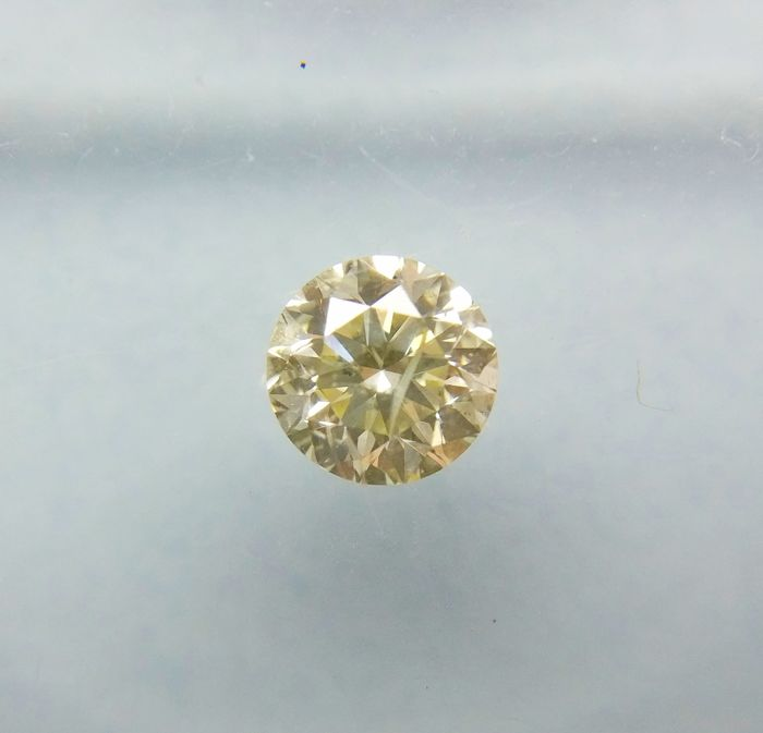 0.31 ct Round cut Diamond Light Fancy Yellow SI3 *** No Reserve ***