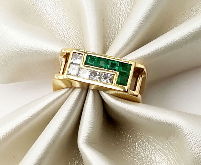 Ring - Gold - Natural (untreated) - 0.2 ct - Diamond and Emerald