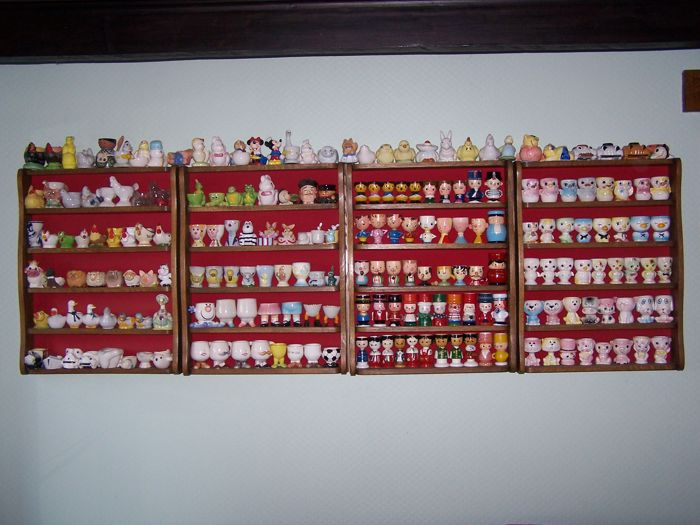 Collection of 1130 egg cups - various materials - Glass, wood, ceramic, porcelain