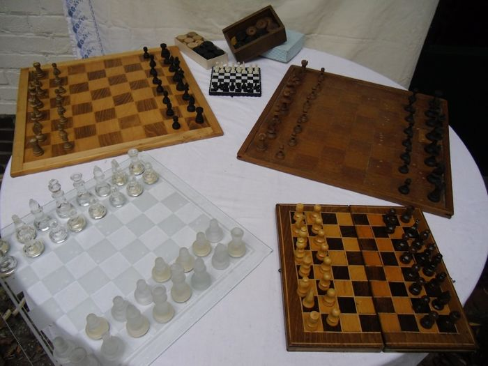 Collection of chess games - Glass - Wood - Plastic