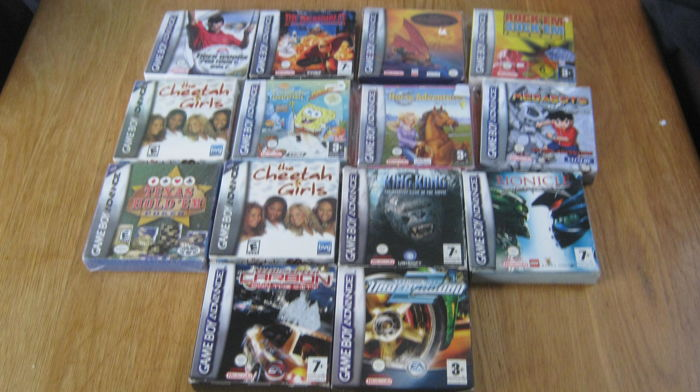 14 boxed Gameboy Advance games like: Need for speed carbon +