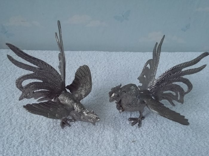 Table pieces bantams or fighting roosters - pair of 2 -silver plated