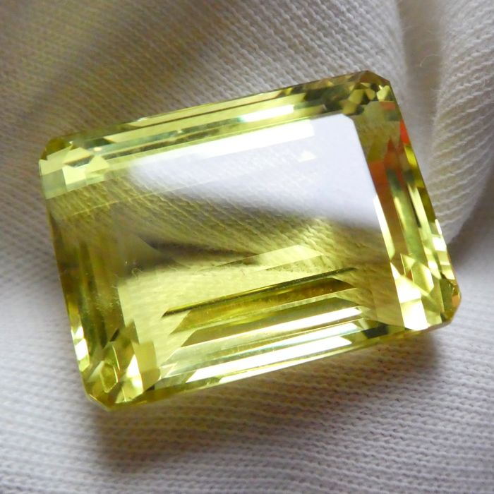Lemon Quartz – 33.32 ct – No Reserve Price
