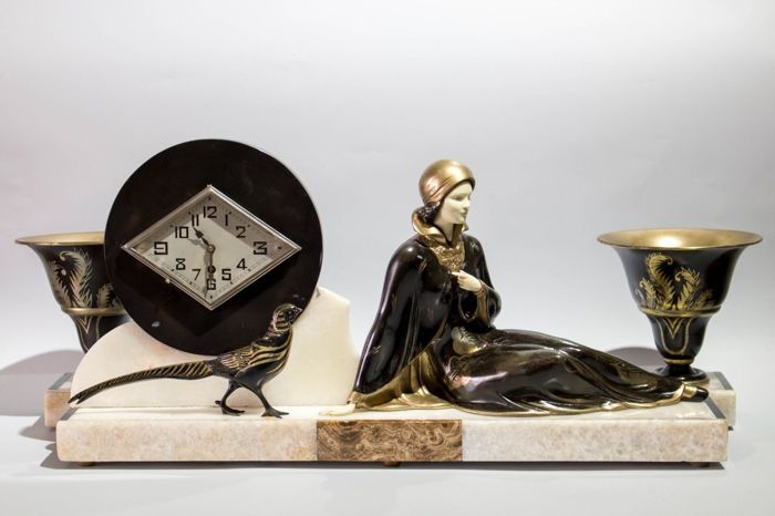 Menneville - Art Deco fireplace clock with fittings